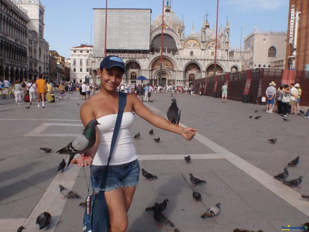 Con palomas en Venecia