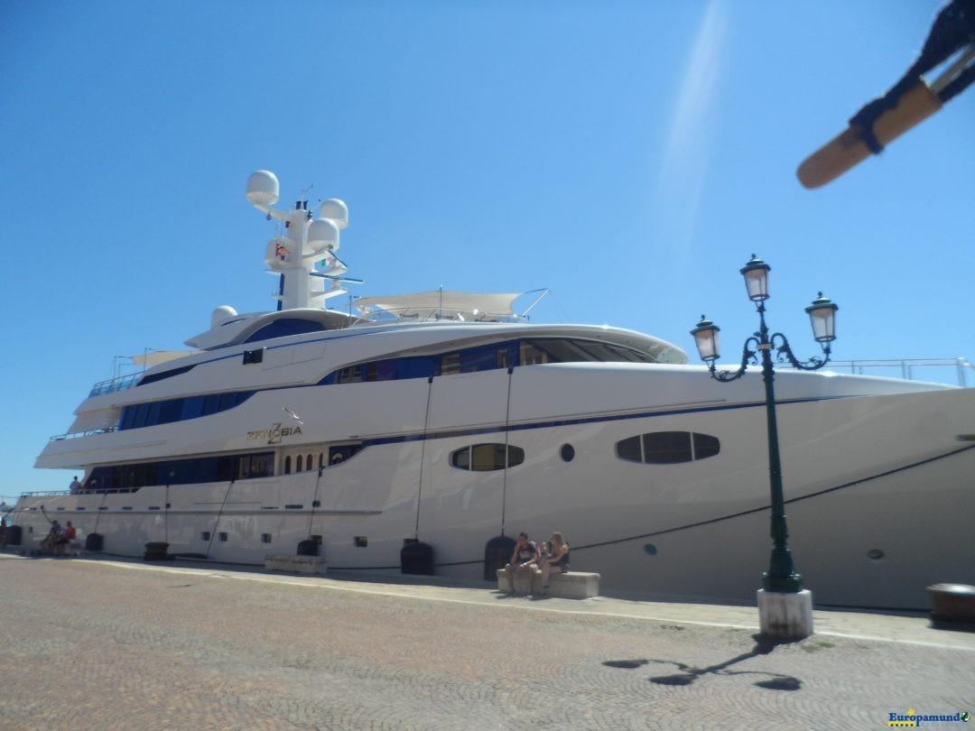 Embarcaciones a todo lujo